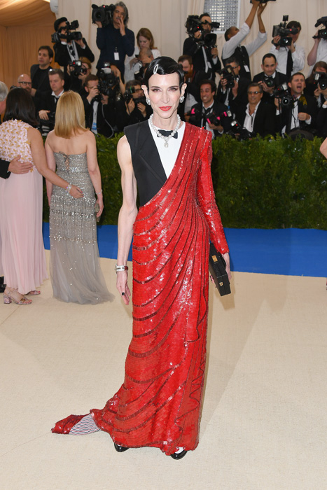 """NEW YORK, NY - MAY 01: Amy Fine Collins attends the """"Rei Kawakubo/Comme des Garcons: Art Of The In-Between"""" Costume Institute Gala at Metropolitan Museum of Art on May 1, 2017 in New York City. (Photo by George Pimentel/WireImage)"""